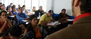 Tachirenses analizaron estrategias de manipulación mediática en Venezuela