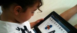 Conciencia y supervisión: claves en la experiencia de niñas y niños en Internet