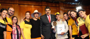 Presidente Maduro entregó Premio Nacional de Periodismo