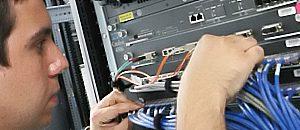 Jóvenes aprendieron a configurar servidores DNS