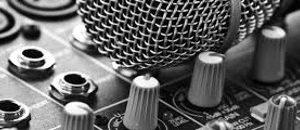 CONATEL entregó procesador de audio a radio comunitaria