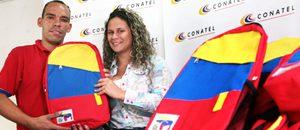 """CONATEL entrega bolso escolar """"tricolor"""" a hijas e hijos de sus trabajadores"""