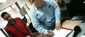 Conatel entrega equipos a medio comunitario de Guárico