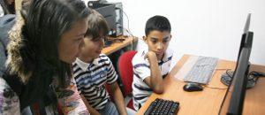 Niñas y niños programan videojuegos con Conatel